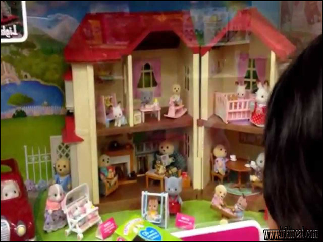 calico-critters-at-toys-r-us Things You Should Know About Calico Critters At Toys R Us